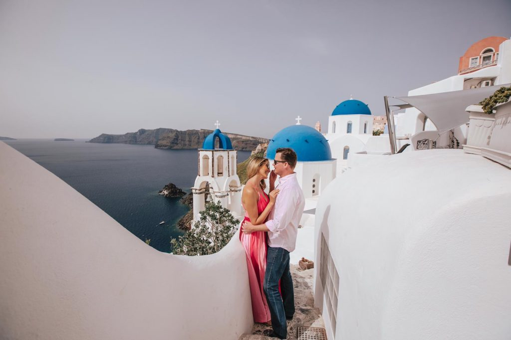 what to wear for Santorini photo shoot