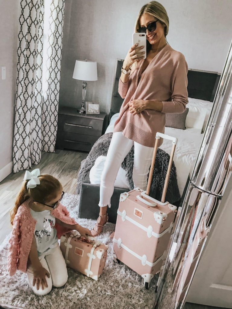 Mommy and me outfit ideas for travel