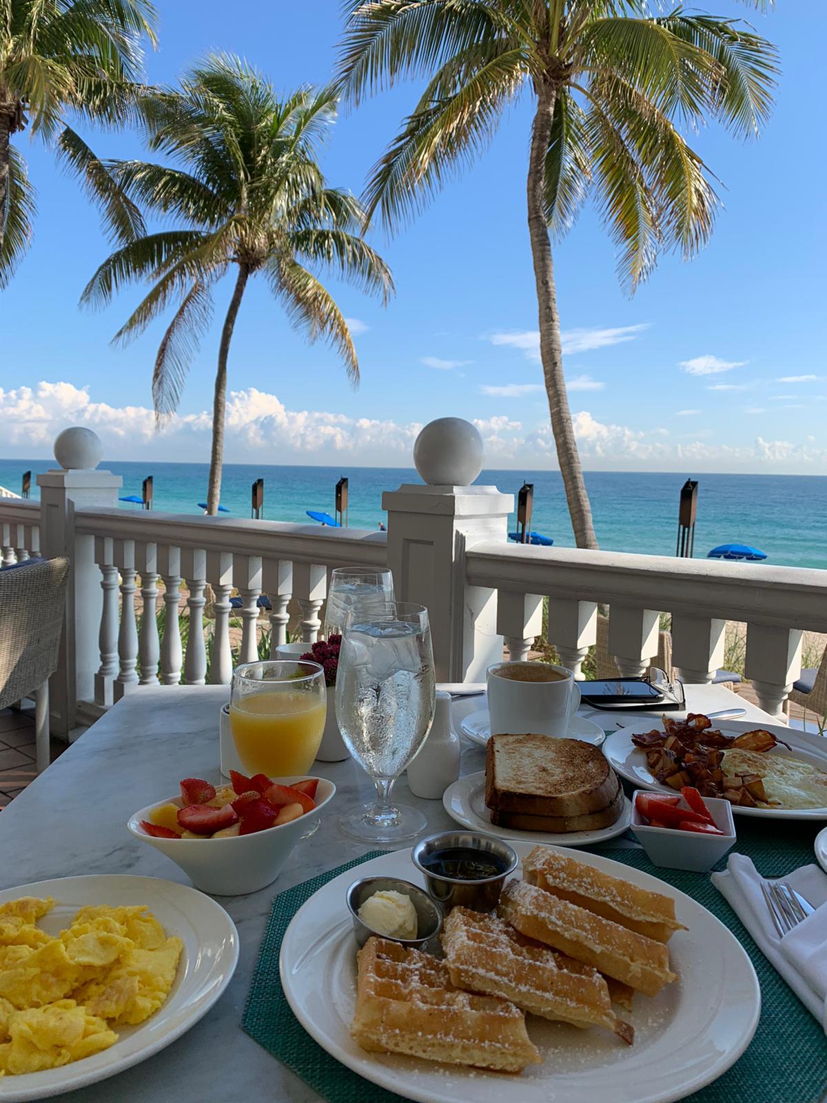Breakfast at the Pelican Grand Beach Resort