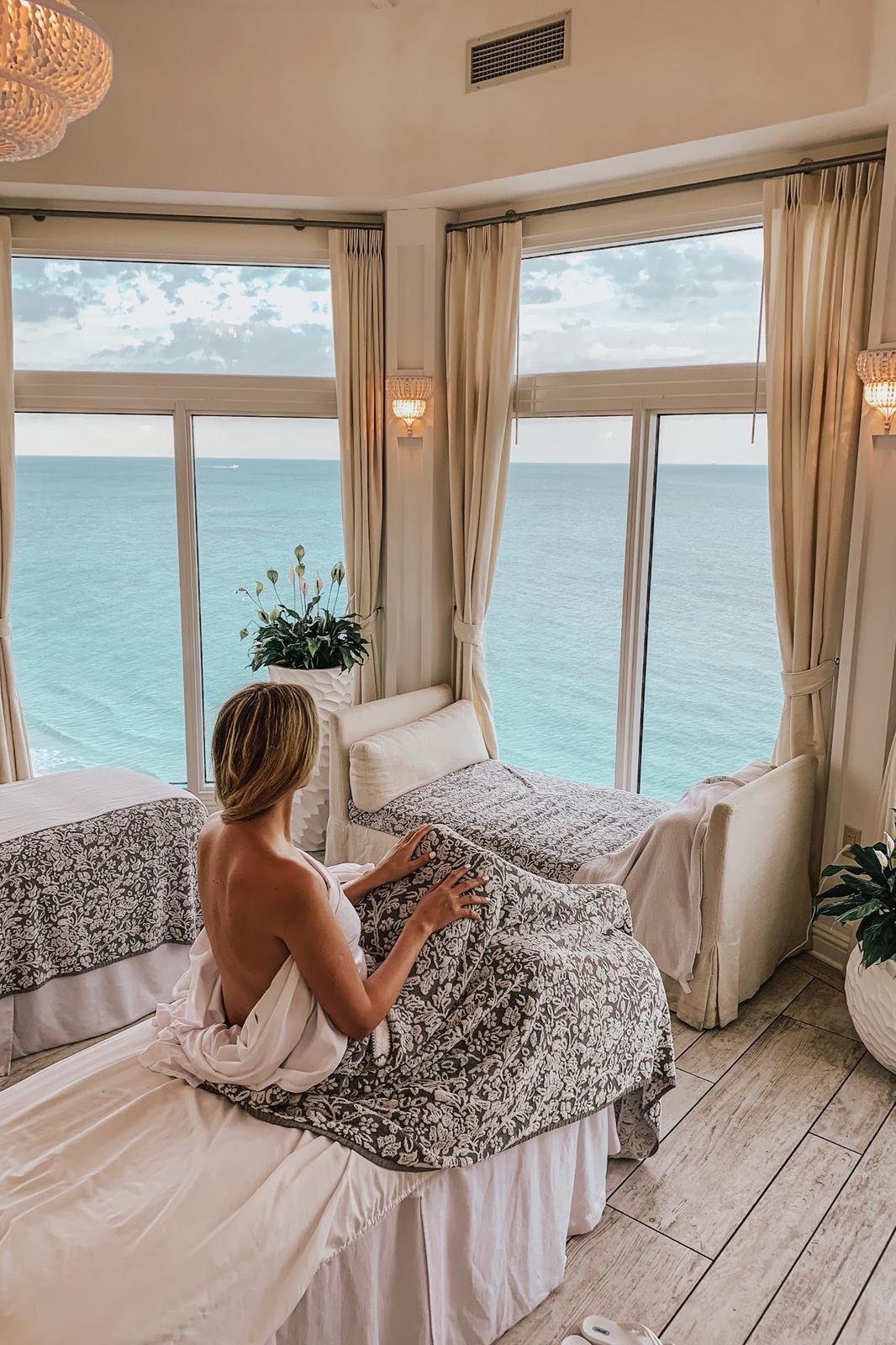 Pelican Grand Beach Resort – FL